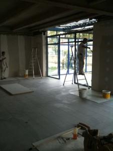 Hall d'entrée doublage isothermique et revêtement de sol